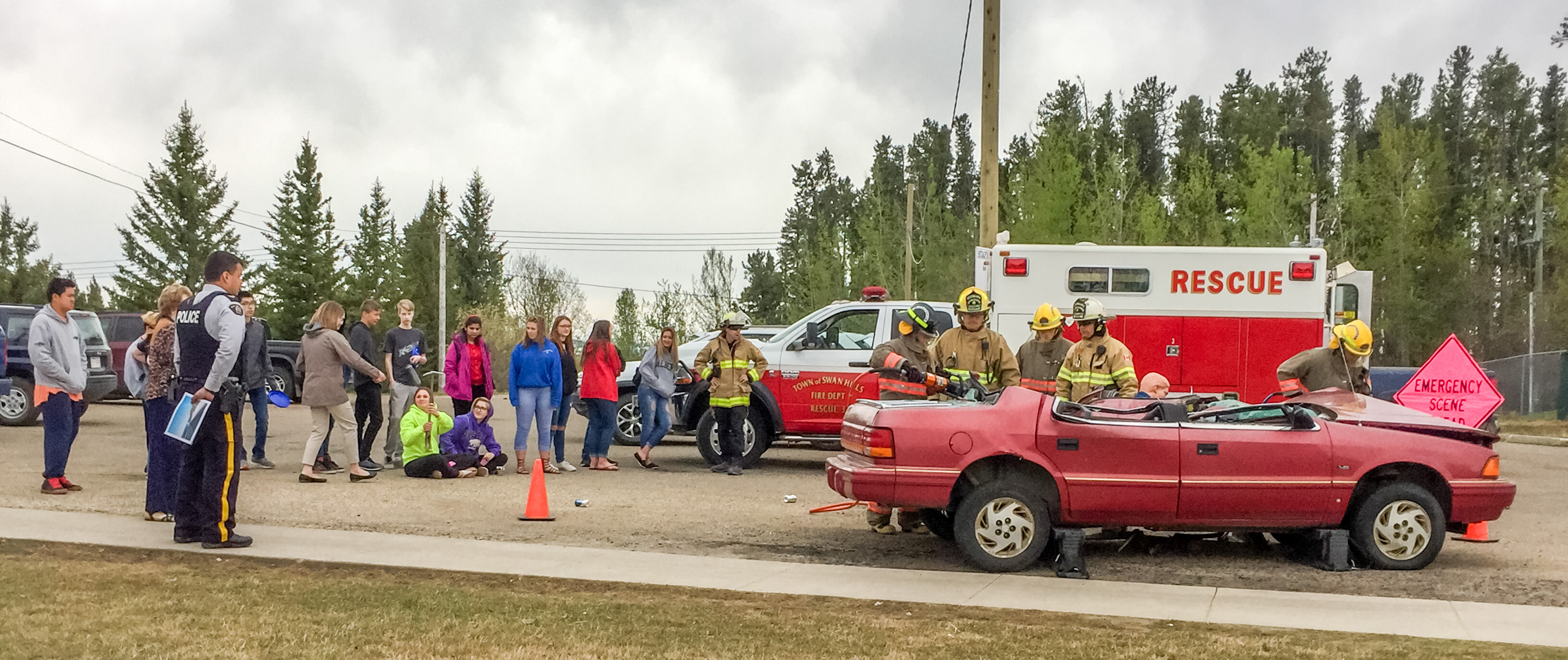 Grade 9 & 10 Students Learn About Motor Vehicle Collisions – Click image for article & more photos.
