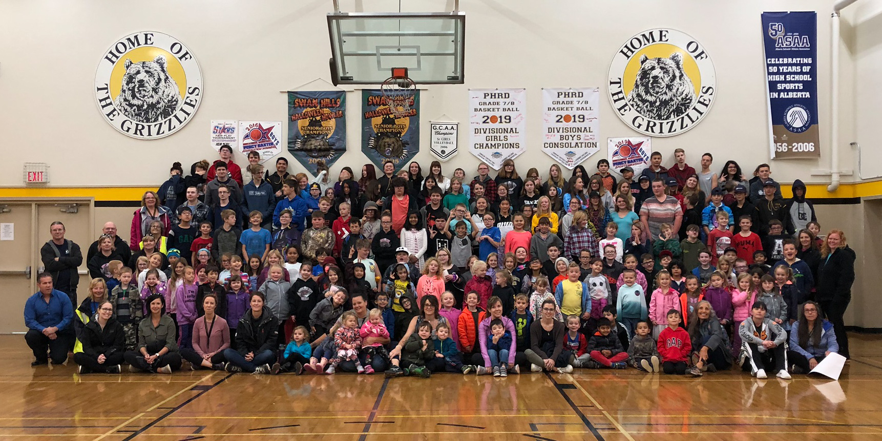 Everyone, S-Prep – Grade 12, and staff, gathered for Terry Fox Run